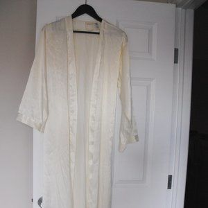 Silk&Satin White/Off White Robe